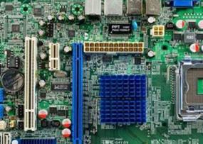 七彩虹C.G41H D3 V23主板的bios设置u盘启动进入PE的视频教程