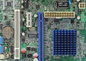 七彩虹C.G41T D3 V20主板的bios设置u盘启动进入PE的视频教程